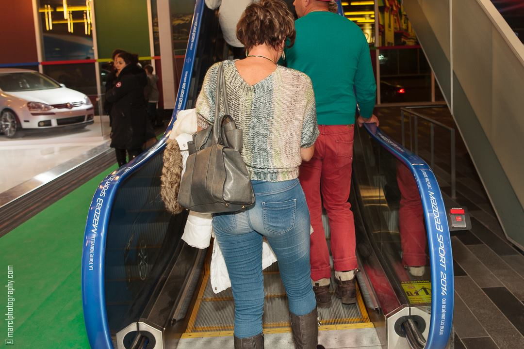 mazda3_blue_escalator_advertising_autoshow_14_1-jpg