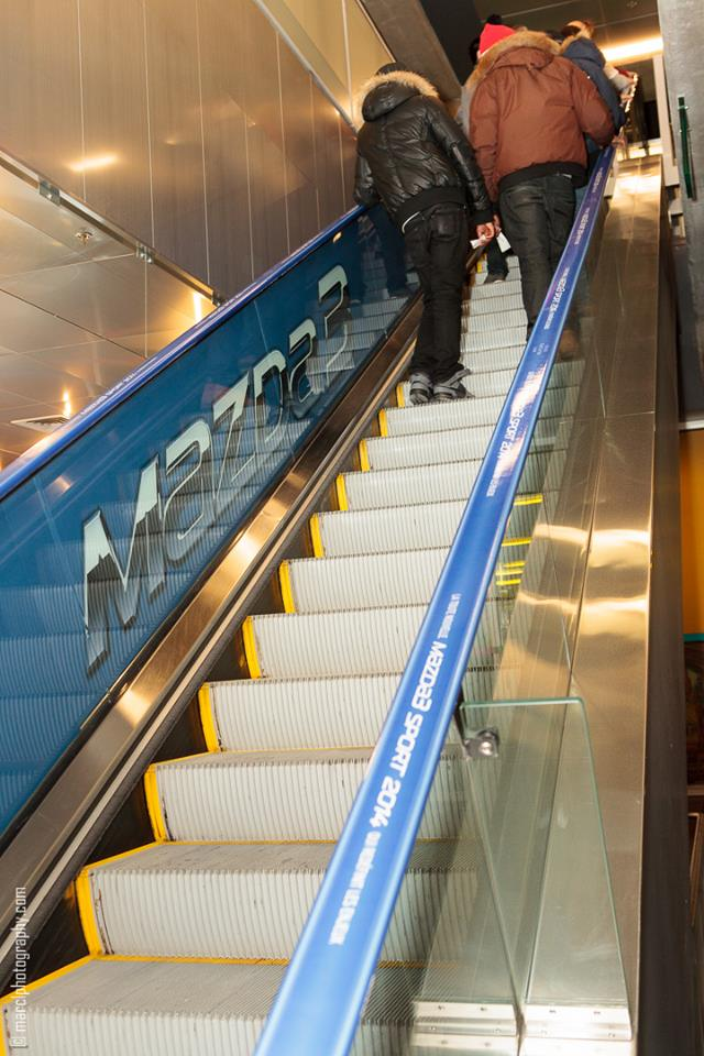 mazda3_blue_escalator_advertising_autoshow_14_2-jpg