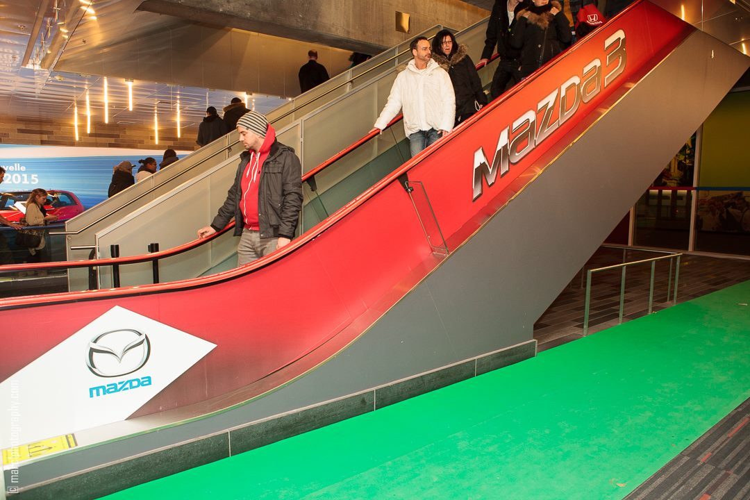 mazda3_red_escalator_advertising_autoshow_14-jpg