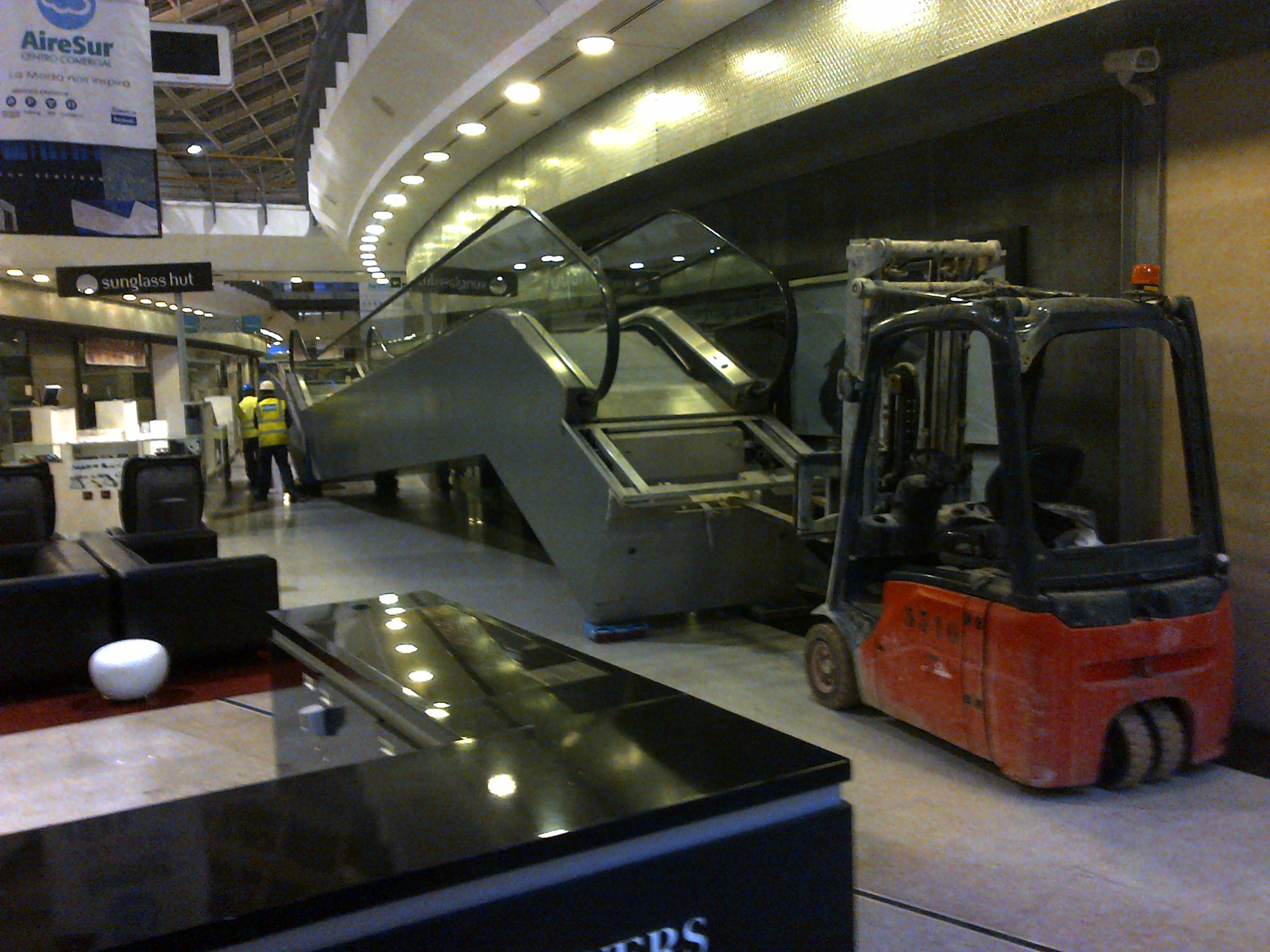 airesur_shopping_mall_kone_escalator_relocation_seville_2-jpg
