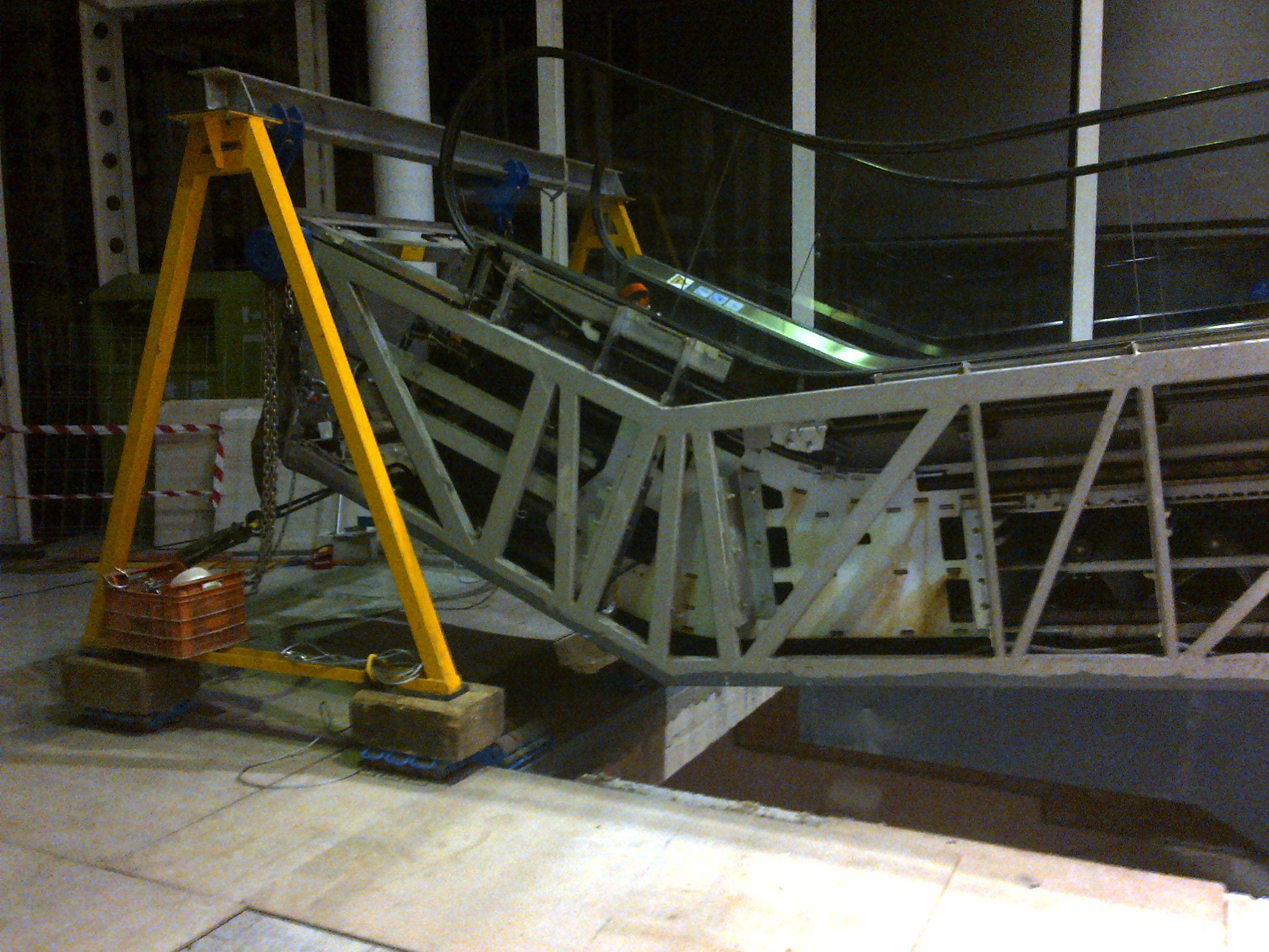 airesur_shopping_mall_kone_escalator_relocation_seville_4-jpg